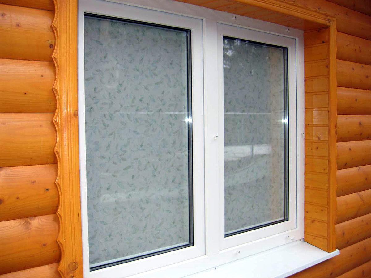 Как заменить пластиковое окно в деревянном доме